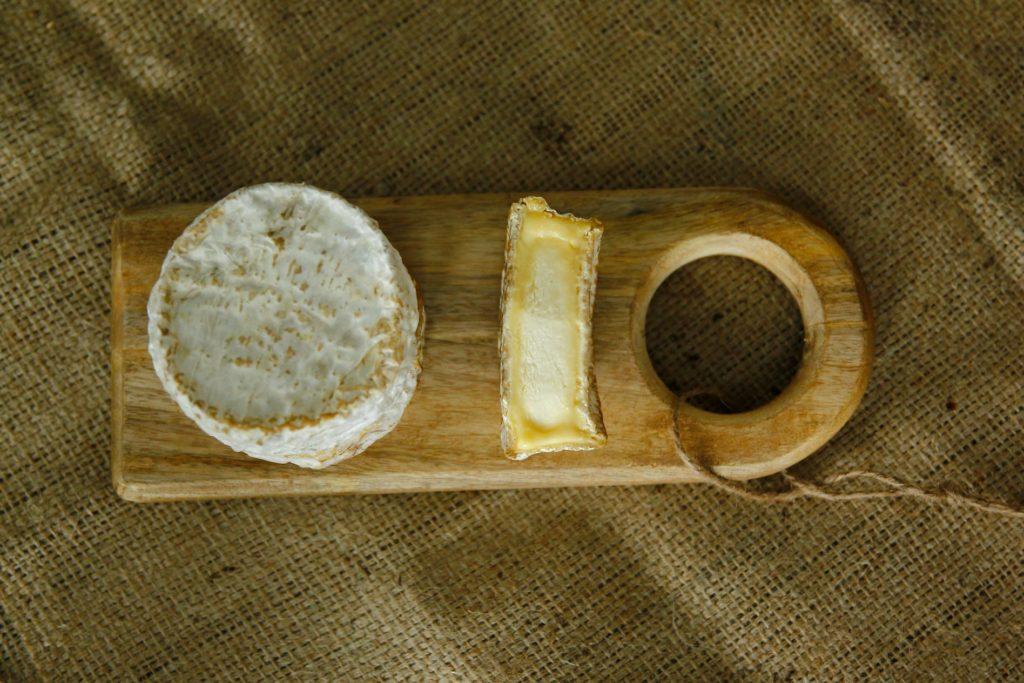 Queso pasta blanda, queso de pasta blanda, corteza enmohecida, corteza lavada